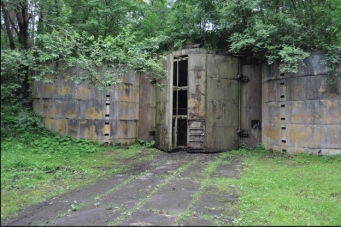 archaeology-reveals-cold-war-nuclear-bunkers-in-poland__227786_